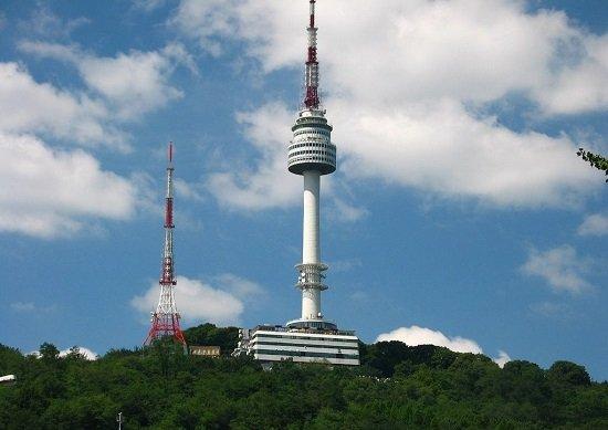 Tháp N Seoul nổi tiếng